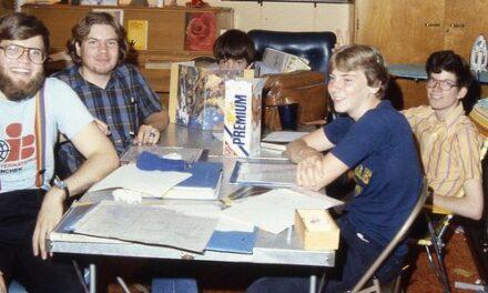 Imágenes para soñar: nerds de los 70 y 80 jugando a rol (Actualizado)
